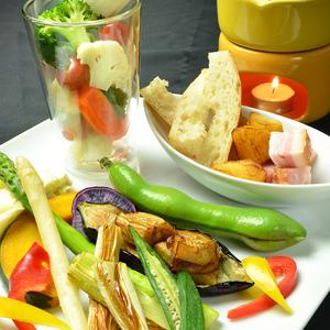 オジャのサラダ - 新鮮野菜をふんだんに使ったオジャのサラダです