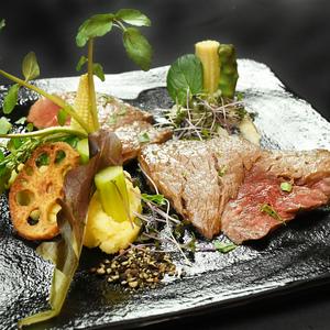 オジャの絶品メニュー 牛フィレ肉のビステッカ 2,800円 (税込3,024円)