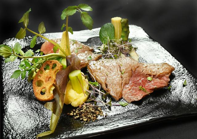 牛フィレ肉のビステッカ 2,880円 (税込3,168円)
