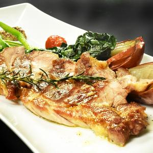 オジャの絶品メニュー 留寿都産もち豚のグリル レモンソース 1,520円 (税込1,672円)