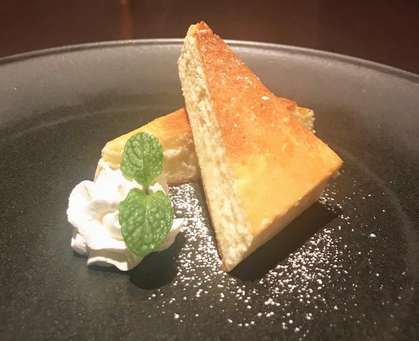 チーズケーキ 550円 (税込605円)
